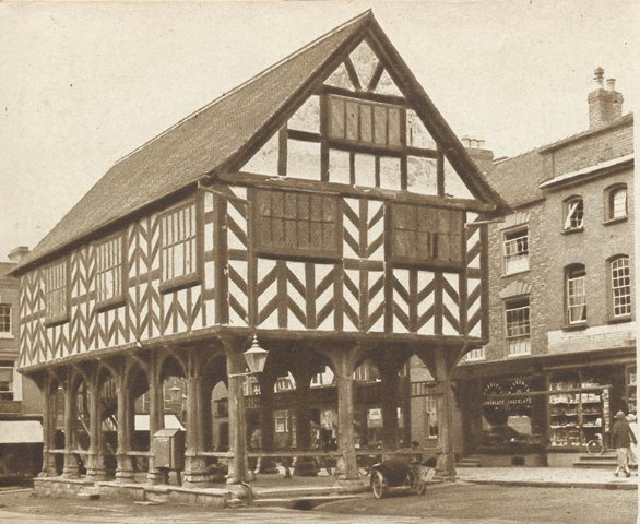 [Ledbury Market Hall / House]